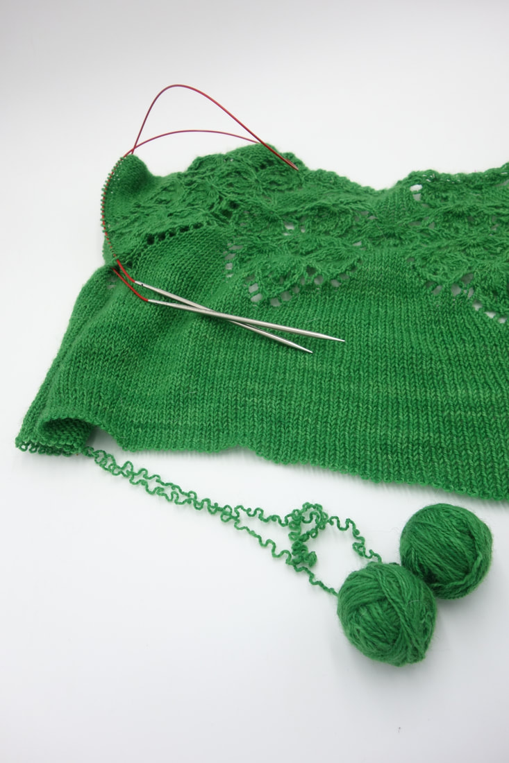 Unravelling lace knitting